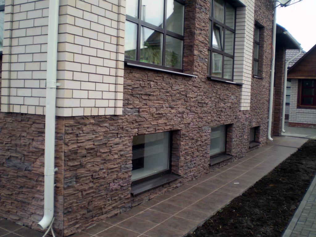 Природный и искусственный камень для отделки фасада