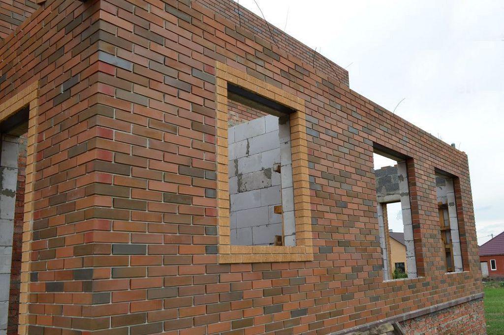 Отделка фасада кирпичом